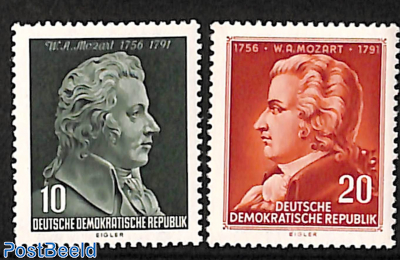 W.A. Mozart 2v